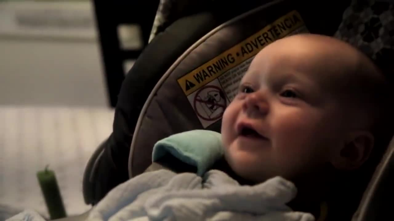 4 month old baby tries to sing to Karen Carpenter song, Melts Hearts. - AIR.TV